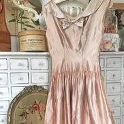 Puderrosa vintage klänning från 30-talet