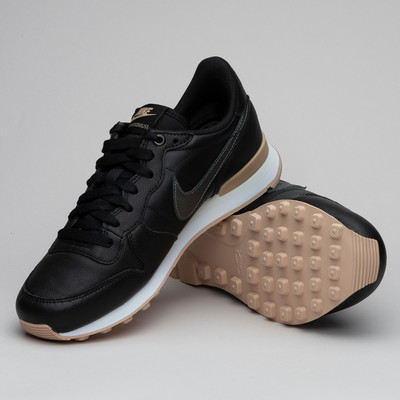 Nike W Internationalist Prm Blk/Mtlc/Bg