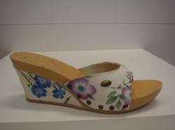 Scholls skor med träbotten