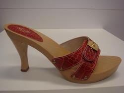 Scholls skor med träbotten och klack, rött skinn