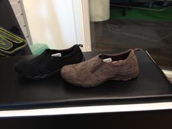 """Promenadsko, finns i både svart och brun mocka, innersula """"Memory Foam"""" Skechers Skechers"""