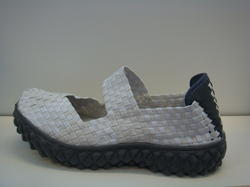 "Vit/beige ""Resår"" - sko."