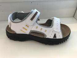 Sandal, vit med skön skinn-innersula.
