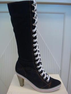 Jeans-stövel med snörning och dragkedja på insidan