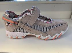 """Skön sko/sandal .  """"Allrounder"""" Mephisto. Beige/grå med blommor på fodret,  löstagbar innersula. En väldigt fotriktig sko."""