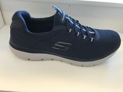 SKECHERS Herr-sko med Memory Foam innersula. Resår istället för snörning enkelt och bekvämt att sätta på sig.