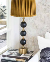 Charlotta-bordslampa-svart/mässing