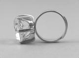 Fingerring av sterling silver med bergkristall Hallberg