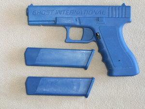 BLUE GUN / PRACTICE GUN