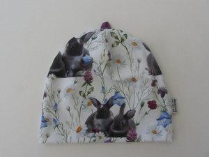 Kaniner på sommaräng
