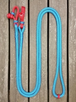Loop reins with rope connectors and middle marker