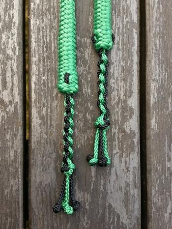 Delade tyglar med löstagbara pistolhakar och fyrflätstofsar - 2 x 2,40 m, Grön
