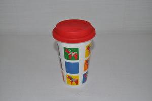 Take away mugg med silikonlock, från Sagaform