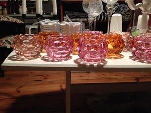 Bullig ljuslykta i glas, rosa från TradeMan
