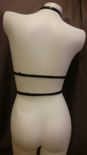 Glansig PVC Bröstharness Corinne