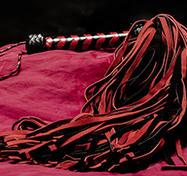 Lång Röd/Svart mockapiska – 144-svansad