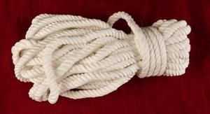 Vitt specialrep av silke för bondage.