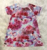 Klänning Körsbärblommor, stl 104
