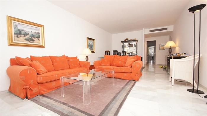 Lägenhet i Alcazaba Beach  Estepona  2 sovrum