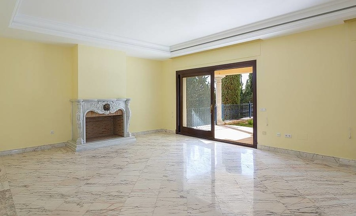 Villa in Sierra Blanca Costa del Sol 8 sovrum