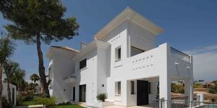 Продается  виллв в Nueva Andalucia Марбелья 6 спален