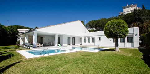 Villa to rent in Puerto Banus  Marbella5 beds