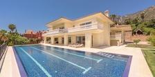 Villa for sale in Sierra Blanca  Costa del Sol  6 beds
