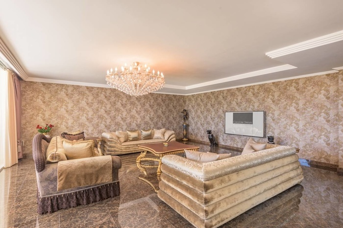 Villa for sale in Sierra Blanca Costa del Sol  6 sovrum