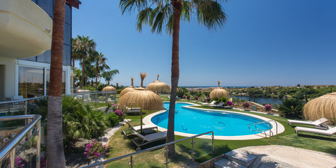 Exclusive villa to rent in Los Flamingos 10 beds