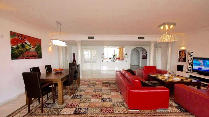 Rent  Magna Marbella  Nueva Andalucia  4 beds - RENTED