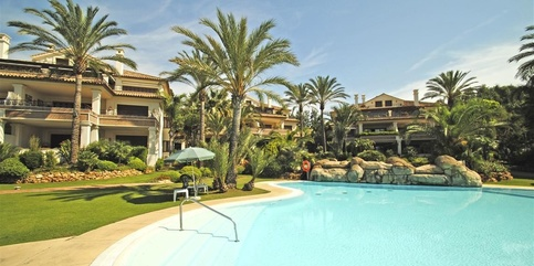 Penthouse for sale in Los Monteros  Marbella 4 beds