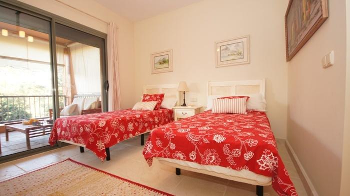 Apartment inBenatalaya Estepona  3 beds