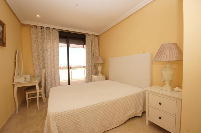 Takvåning säljes i Lomas de Conde Luque Benahavis 2 sovrum