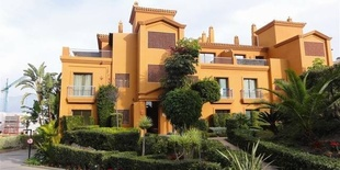 Apartment in Benatalaya Estepona  3 beds