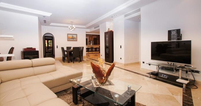 Lägenhet i Torre Bermeja Estepona 3 sovrum