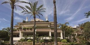 Apartment for sale in Los Monteros Playa Marbella