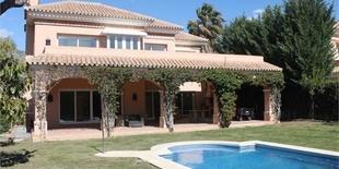 Villa for sale in Nueva Andalucia Marbella 4 beds