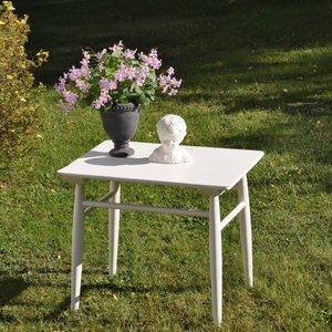 Vitt mindre bord