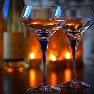 Intermezzo Blue Champagne Coupe