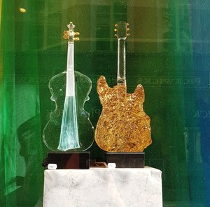 Guitar Gold - Kosta Boda