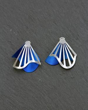 Radiating Swirl Stud Earrings