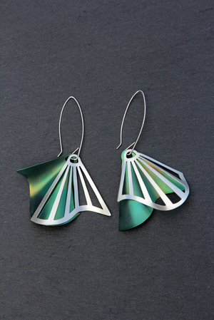 Radiating Swirl Dangle Earrings Green