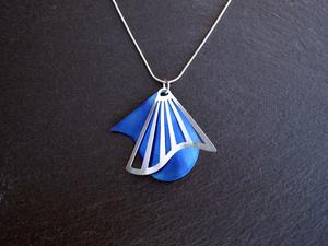 Radiating Swirl Pendant Blue