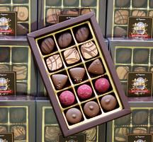 Pralinask - 15 praliner doppade i mjölk choklad