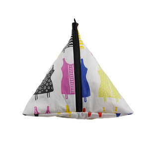 Toiletry Bag (Tetra shaped) Livstycket - empowers women