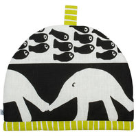 Tea Cosy The hedgehog and the fish / Stripe