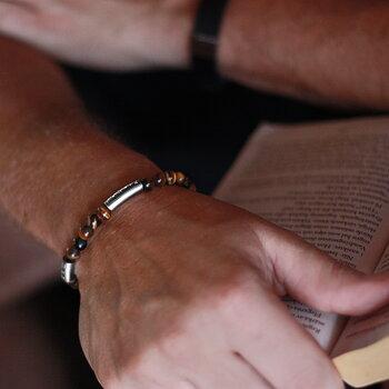 "Armband ""älskad son"", brun tigeröga"