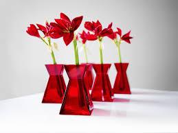 Röd vas i tjockt glas från Cult