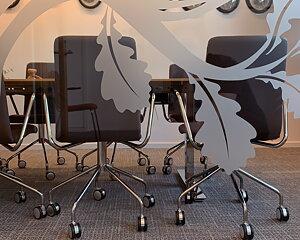 """-  Omdöme  - """"Smålands Kontorsmöbler är en engagerad, lösningsorienterad  inredningskonsult där problem bara blir möjligheter.  Kommer med självständiga ideer och förslag på nya inriktningar!"""" -  Gunnel Olsson Örbäck VD Virserums Sparbank  -"""