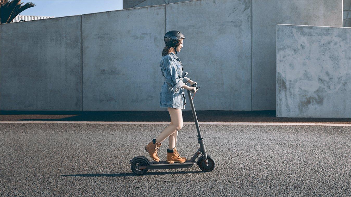 Xiaomi Mi Electric Scooter M365 Pro 4